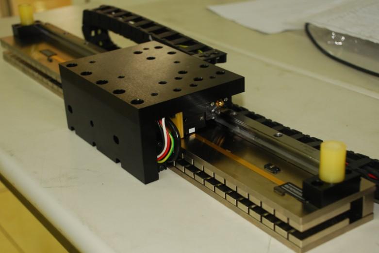 新加坡ACCEL直线电机E系列直线电机 新加坡ACCEL直线电机E型直线电机定子,配合所有E系列线圈使用,长度有180MM和300MM两种规格,可拼接。 持续推力20 260N 推力最高可达780N 加速度最大可达10G 易于实行应用广泛 新加坡ACCEL直线电机J直线电机系列直线电机 J型直线电机定子,配合所有J系列线圈使用,长度有180MM和300MM两种规格,可拼接。 重叠绕组 最大推力可达435N 高功率密度 改良的散热性能 宽松的排列公差 组装简单安全 新加坡ACCEL直线电机P系列直线电机 P