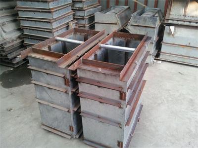 猪自动料槽模具 - 淮北利民养猪设备厂