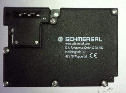 bns33-11z  德国施迈赛schmersal安全门锁开关供应:   azm161cc-12