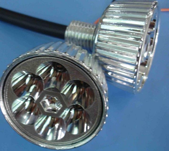 [供应]检修电动车灯泡的方法