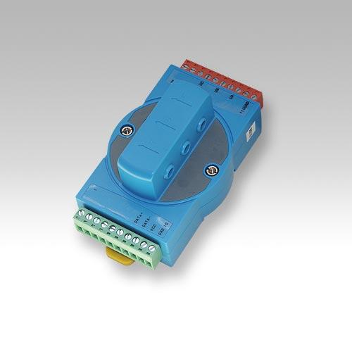 测量三相三线制或三相四线制交流电路中的三相电流